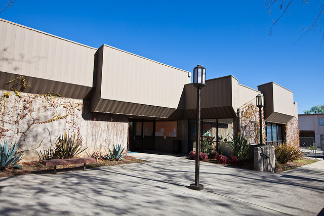 Image of the entrance at Jackie Robinson Community Center
