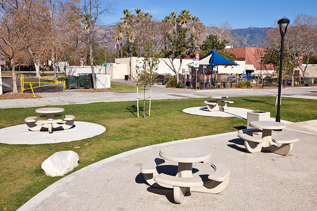 Image of picnic area at Robinson Park