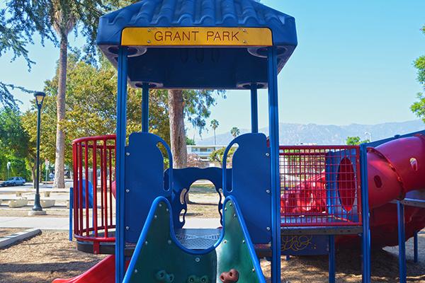 Image of play set at Grant Park